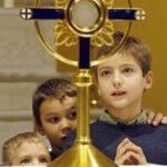 Kinderen Eucharistische Aanbidding